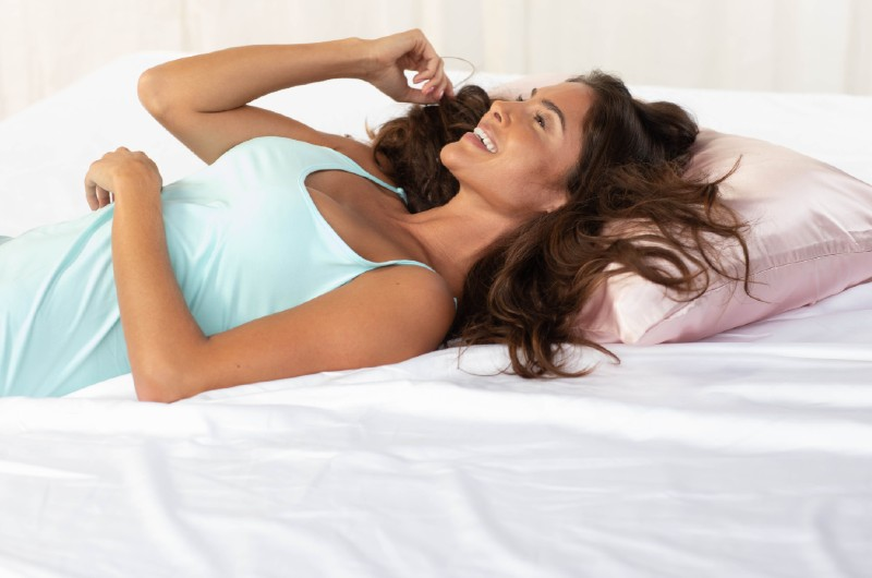discover the benefits of a silk pillowcase for your hair, skin and more